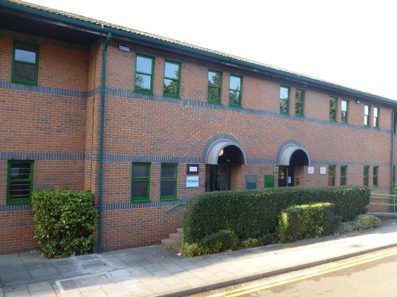 Beaumont Gate Radlett Herts WD7 7AR