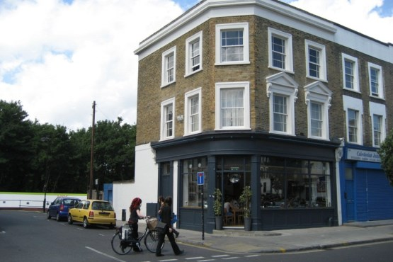 327 Caledonian Road Islington London N1 1DW